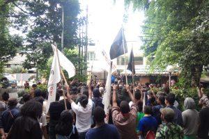 Aksi Tolak Penjajahan Papua Barat Dikepung Polisi